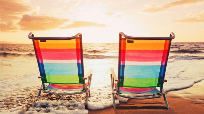 sedie-a-sdraio-in-spiaggia